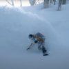 """いまに始まる冬に先駆け、脳内パウダーライド。""""SNOW MOTION"""""""